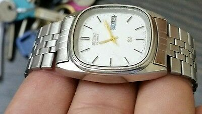 Seiko - old vintage qwartz day & date watch for collectors - working good