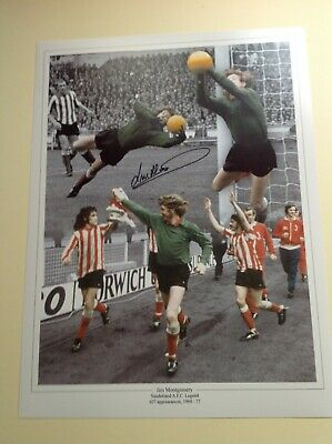 """Sunderland - Legend - Jim Montgomery - Signed 16""""x12"""" picture with COA"""