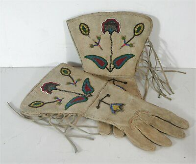 ca1900 PAIR NATIVE AMERICAN PLATEAU INDIAN BEAD DECORATED HIDE GAUNTLETS GLOVES