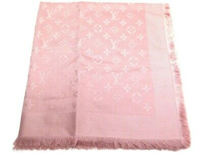 526376b31074 Neuf Chale Louis Vuitton Monogram M74441 Soie   Laine Rose Silk Wool Scarf  400€