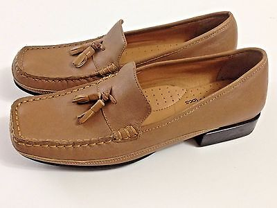 75eee1a38830 Softspots Honey Leather Double Tassel Tru Mocs Loafer Shoes Womens 7 N