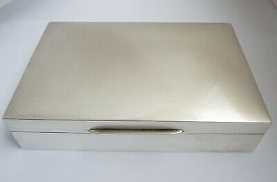 Handsome Heavy English Antique 1962 Solid Sterling Silver Table Cigarette Box