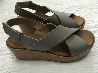 885207b9205 Clarks Collection Soft Cushion Womens Taupe Wedge Sandals Size 9.5 M Stasha  Hale