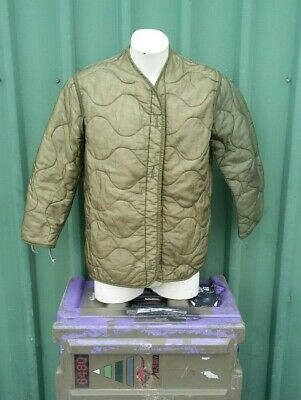 M65 Jacket Liner Insulated Size Medium - Very Good Used Condition - Green