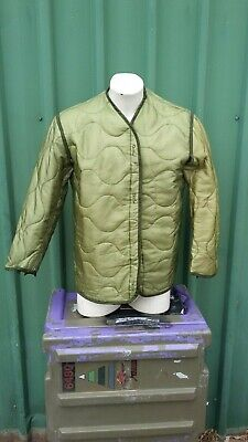 M65 Jacket Liner Insulated Size Small - Very Good Used Condition - Green