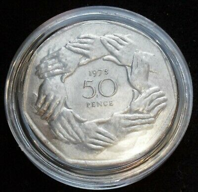 1973 UK Entry to EEC LARGE 50p Fifty Pence Clasped Hands coin in capsule