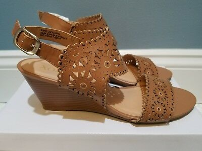 d59980e415ee ladies xoxo silica2 tan eyelet lace wedge sandals shoes simmons 9.5 9 1 2  new