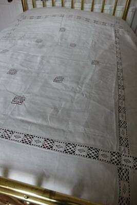 """Antique large cream Irish linen bedspread with Cluny lace. - 104"""" x 82"""""""