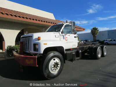 2000 GMC C7H064 Cab & Chassis T/A Day Cab Truck CAT 3126  Diesel 250 HP