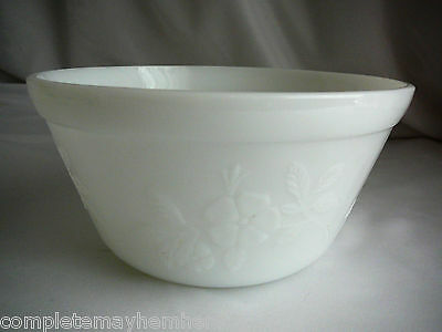 Mixing Bowl White Milk Glass Baking Cook Kitchenalia flowers on sides Retro