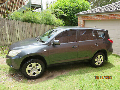2006 Toyota RAV4 manual, new clutch, full service hist, 9 months rego, towbar.