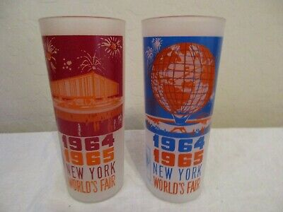 Two 1964 1965 New York World's Fair Glasses -  Unisphere & Federal Pavilion