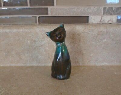 Vtg Mini Blue Mountain Pottery Bow Tie Cat Figurine Excellent