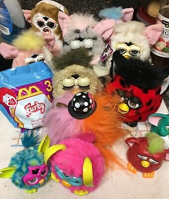 HUGE LOT OF 20 FURBYS, TIGER ELECTRONICS, working & non-working