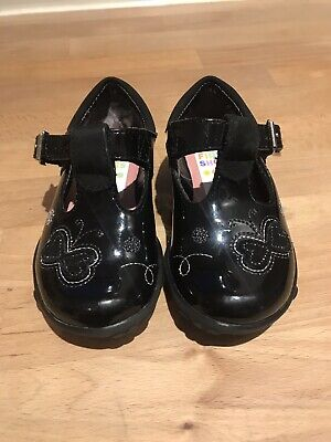 007bcd42444 BNIB Clarks Girls Ella Leah Berry Patent Leather Lights First Shoes 3.5F  Fitting.