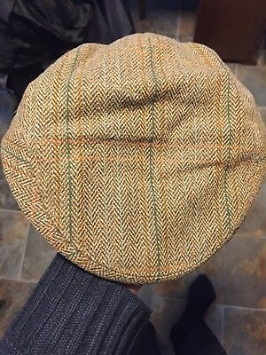 Stylish Lawrence & Foster Hand Tailored Yorkshire Green Tweed Cap Size 57