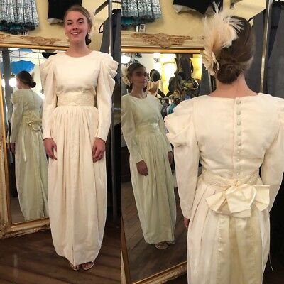 Vintage Cream Velvet Dress Gown Wedding Prom Costume Renaissance Long Sleeve