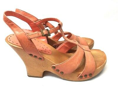 722493e6204 Gianni Bini Chunky Sandals Women Size 6 Wooden Clog Heel Peach Leather  Strappy