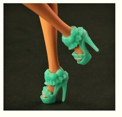 TEAL COLORED WEDGE HEELED shoes for CURVY Barbie