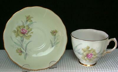 Vint Colclough GREEN FLOWERS PINK CENTER #8252 Bone China TEA CUP & SAUCER EUC