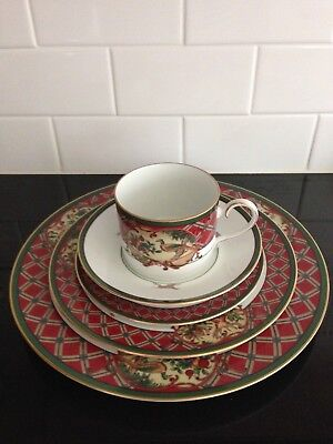 Holiday Noritake ROYAL HUNT 5 Piece Place Setting with Deer, Rabbits, & Birds