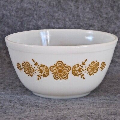 Pyrex USA Vintage 1.5ltr Mixing Bowl 402 in Butterfly Gold 1 Pattern c.1979