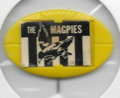 1968 1969 Twisties / Milo Football Emblem Pin COLLINGWOOD the Magpies (Yellow)