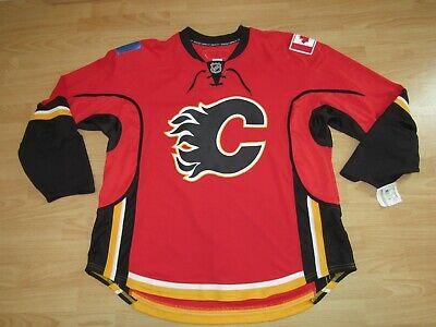 Authentic Calgary Flames Team Issued Pro Stock Red Hockey Jersey size Men s  60 624500fe1