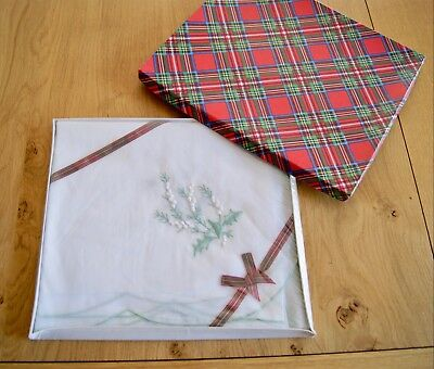 UNUSED VINTAGE WHITE ORGANZA EMBROIDERED TABLECLOTH White Heather Tartan Box