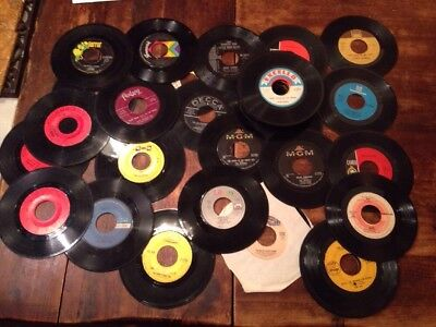 WHOLESALE LOT OF 50  45's , 50's,60's,70's,80's Simon&Gar,Animals More + $lowerd