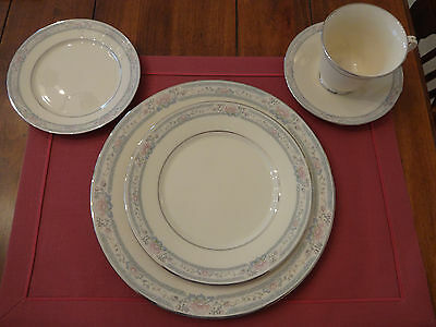Lenox China Charleston 5 Piece Place Setting - Excellent