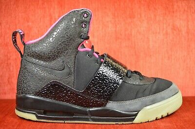 0320b13bc CLEAN Nike Air Yeezy 1 Blink Black Pink Size 11.5 366164-003 2009 Black  Solar