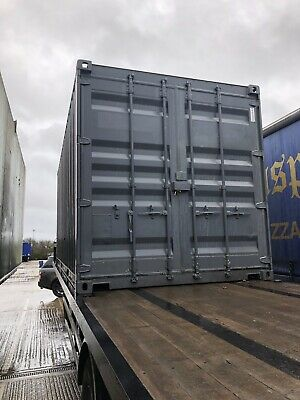 5x 20 foot shipping containers  (1 Trippers)