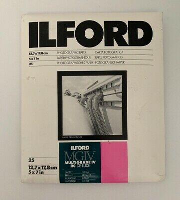 Ilford Multigrade IV RC Deluxe Pearl Medium Weight 40 Sheet Pack Enlarging Paper