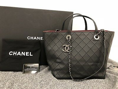 e2bda960707f AUTHENTIC CHANEL HANDBAG Tote Black Quilted Shoulder Bag Purse ...