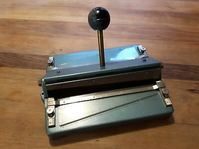 Professioneller Fotoschneider ANTIK made in Germany Gusseisen Seriennummer TOP