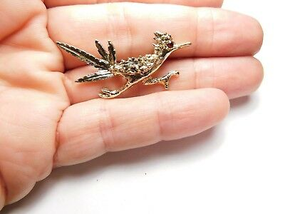 3c2ec4e5c9eb Red Rhinestone Textured Gold Tone Metal Road Runner Bird Brooch Vintage