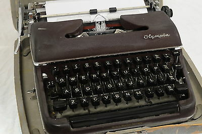 Olympia SM3 De-Luxe Vintage Portable Typewriter with Manual & Case