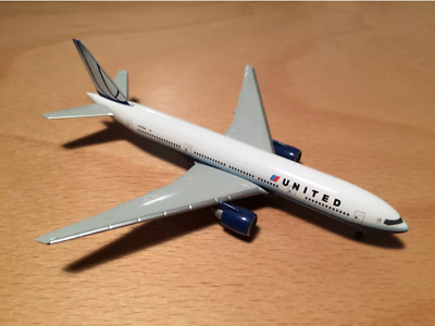 United Airlines Boeing 777-200 Herpa 1:500 506687  Blue tulip colors