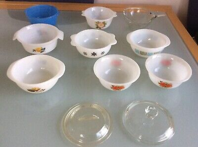 9 X Collection Of Small Mini Size  Vintage Pyrex Casserole Dishes With 2 Lids.