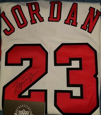 ee5535af51b Michael Jordan Chicago Bulls Signed White Jersey Mitchell & Ness - Upper  Deck