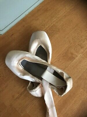 Bloch Pointe Ballet Shoes Size 5.5