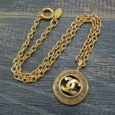 CHANEL Gold Plated CC Logos Charm Vintage Chain Necklace Pendant #4204a Rise-on