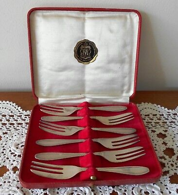 VINTAGE VINER & HALL CAKE FORKS IN BOX EPNS SILVER PLATED C1940s