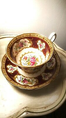 VTG ROYAL ALBERT England Lady Hamilton Tea Cup & Saucer Bone China Gold Trim