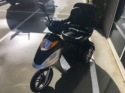3Wheel OZRIDER BT301 mobility scooters