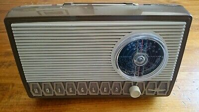 Vintage Kriesler Valve Radio 1974 (notes added)