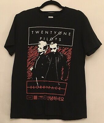 Twenty One Pilots Blurry Face Tour Black/red T-Shirt. Medium