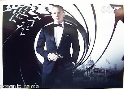 James Bond Autographs & Relics Trading Cards Base Set Of Cards With Display Box