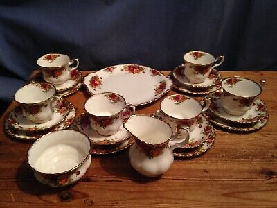 A 21 Piece Royal Albert Old Country Roses Tea Set - 1st